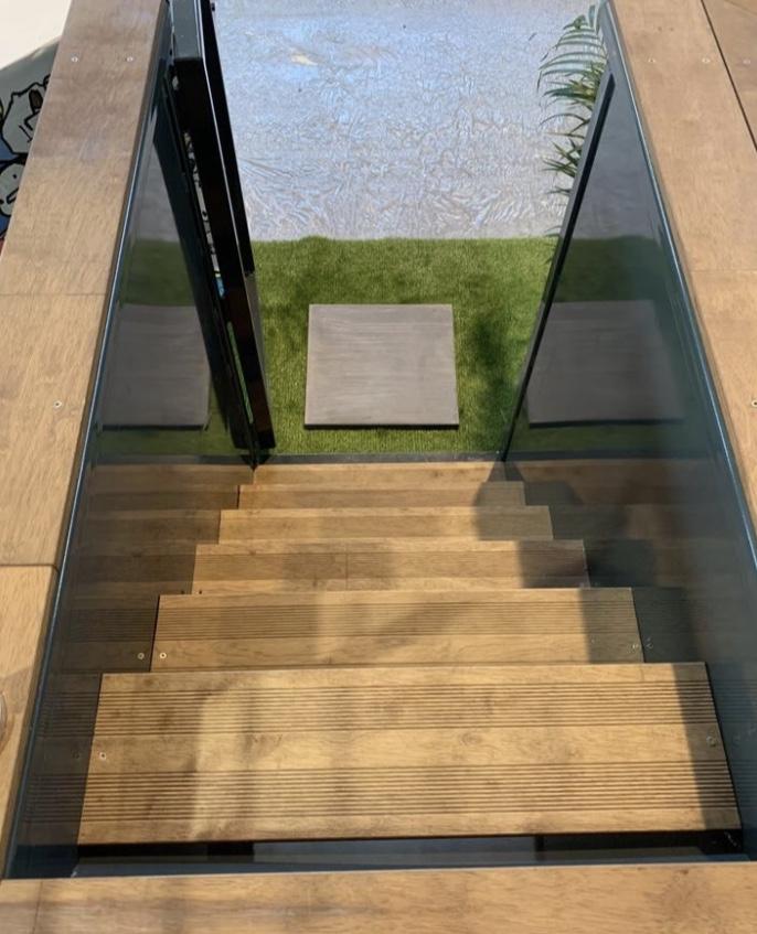 escalier piscine auto-portante bassin acier